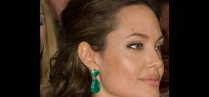 Get Angelina Jolie's wavy Oscars 2009 hairstyle