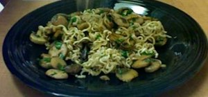 Make noodles with mushrooms on a budget
