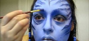 "Create ""Avatar"" Neytiri's blue-faced makeup look for Halloween"