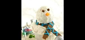 Decorate an easy snowman chocolate mint cupcake for Christmas