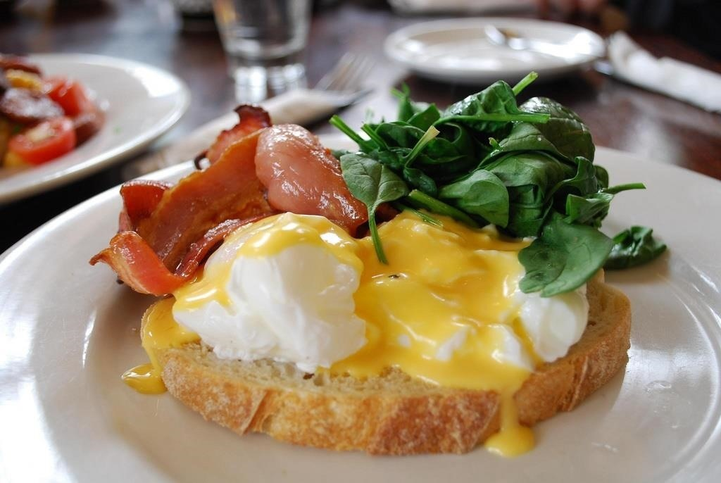 Perfect Your Eggs Benedict with These Foolproof Hollandaise Methods