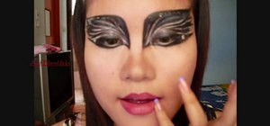 "Create a scary beautiful ""Black Swan"" Natalie Portman makeup look"