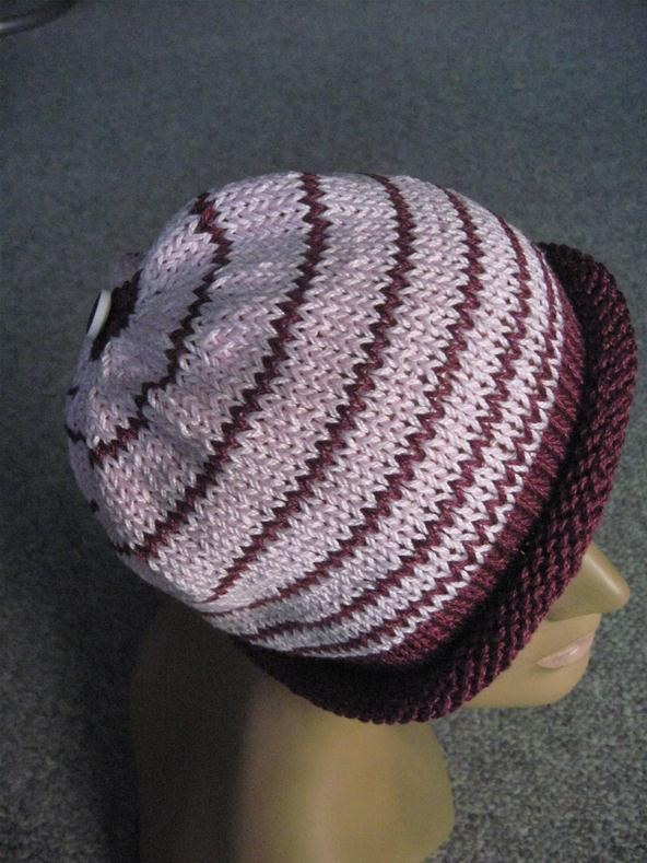 How to Knit a Color Graded Hat