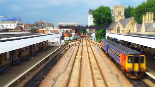 Tilt-Shift, Time-Lapse Video from Camera Phone Transforms the Real World into a Mini Toyland