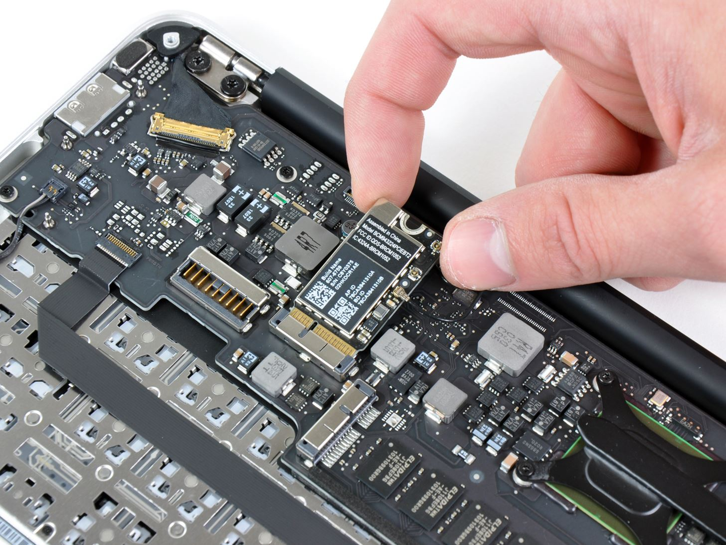How to Tear Down the New MacBook Air from Apple