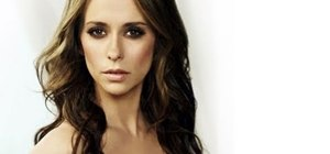 Create a Jennifer Love Hewitt inspired smokey cat eye
