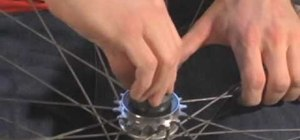 Remove and install a freewheel