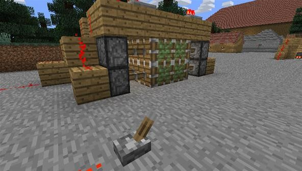 How to Make an Invisible Piston Door to Keep Your Hideout a Secret