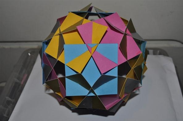 realised that this shape is basically 5 intersecting cubes. Below is ...