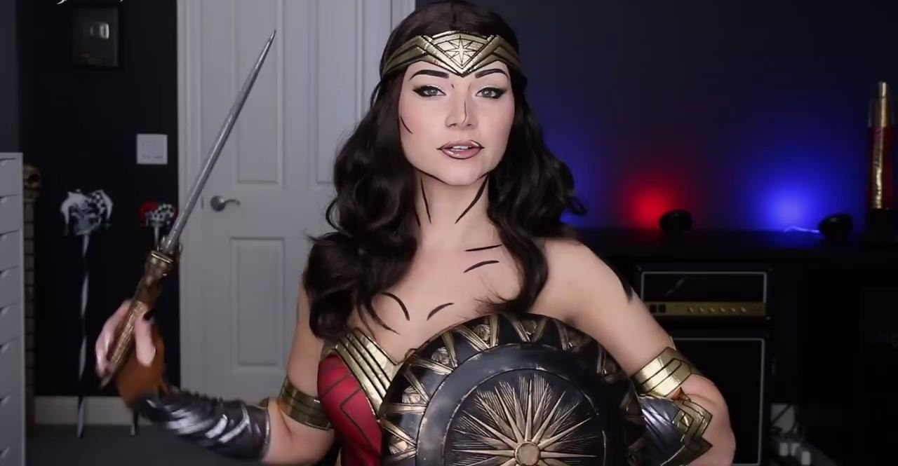How to Get Wonder Woman's Look for Halloween — 4 Different Makeup Styles from Comics to Movie