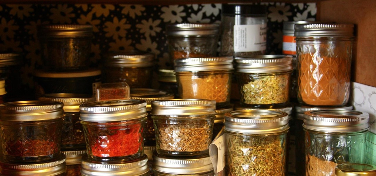 How To: Are Your Herbs & Spices Too Old? Here's How to Check
