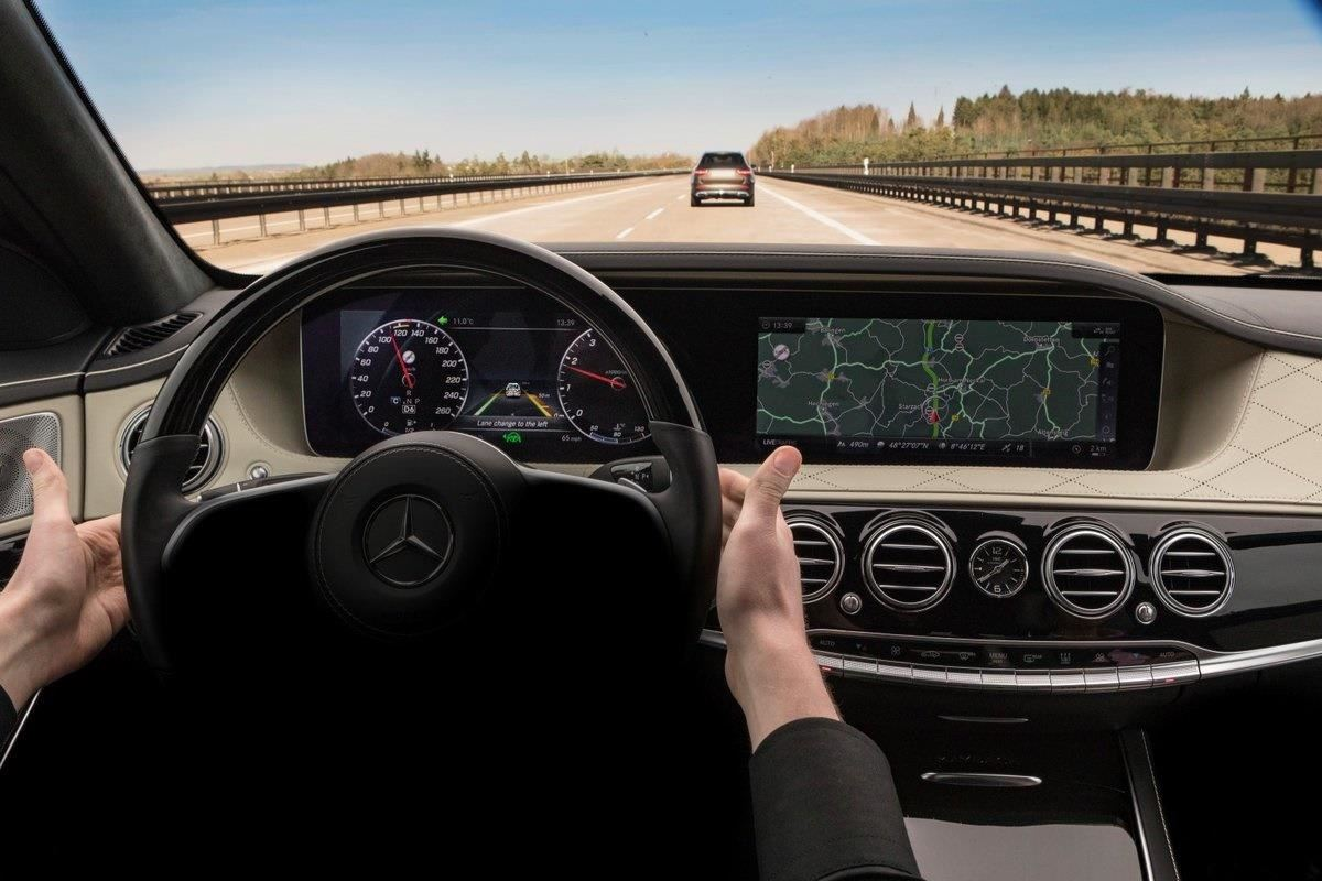Mercedes Is Bringing New & Updated Advanced Driver Assistance Features to the 2018 S-Class