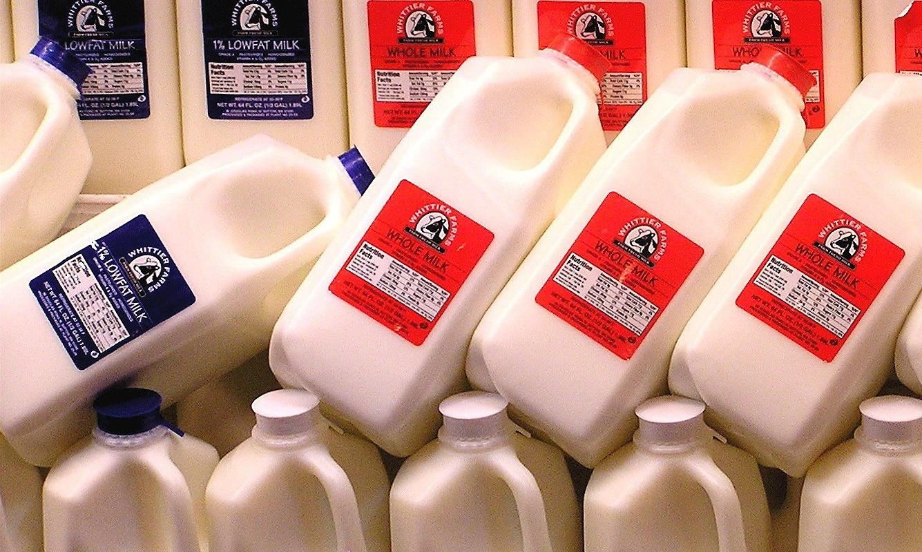 Why Skim, Low, & Reduced-Fat Milk Are Actually Worse for You Than Whole Milk