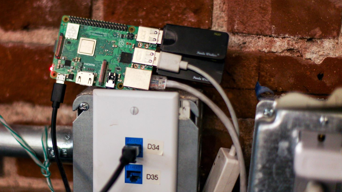 How to Build a Beginner Hacking Kit with the Raspberry Pi 3