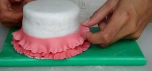 Createa frilled layers out of gumpaste for cakes