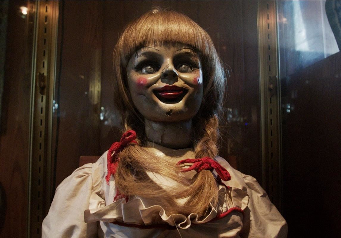this diy annabelle doll costume from the conjuring will haunt your halloween halloween ideas wonderhowto