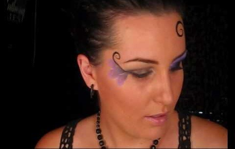 Do face painting for teenagers and adults