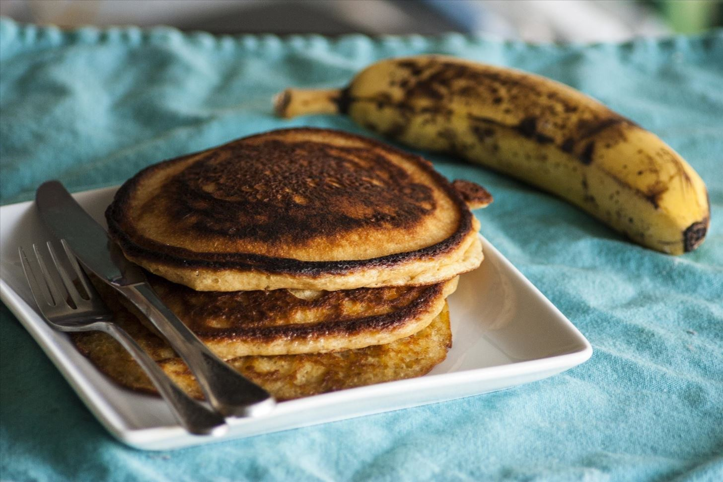 Make Cheaper, Healthier & Tastier Pancakes with This Easy Pancake Mix Recipe