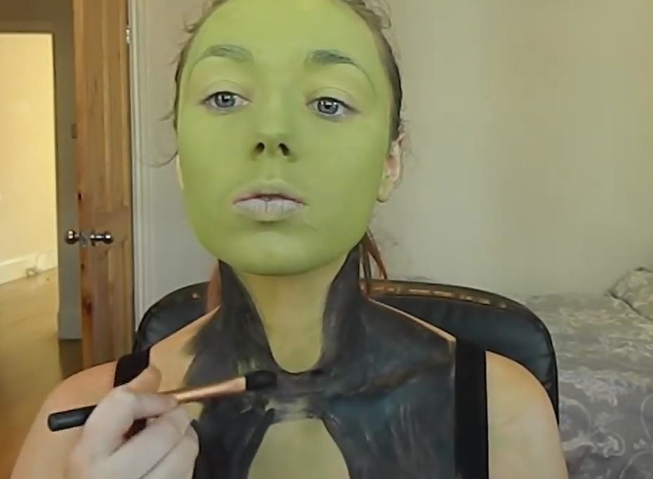 Go Green This Halloween with These DIY Gamora Makeup Looks