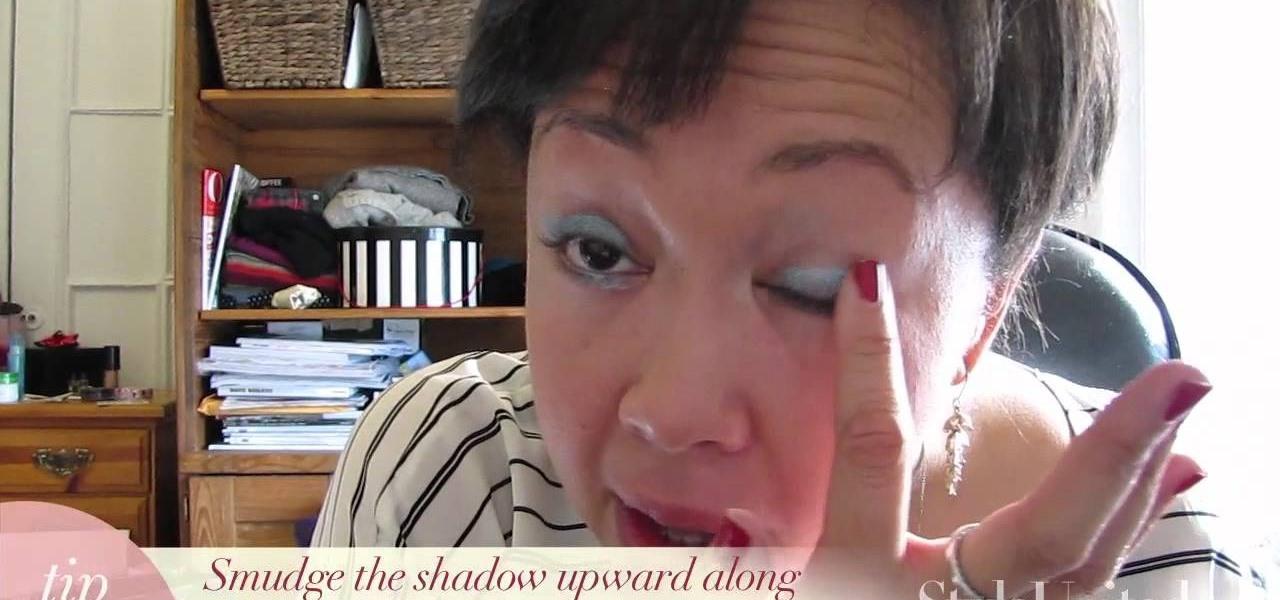 Do Blue Eyeshadow