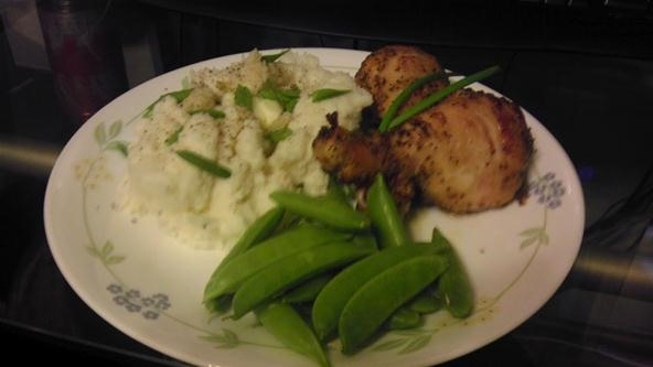 Lemon chicken, garlic riced potato's and sugar snap peas