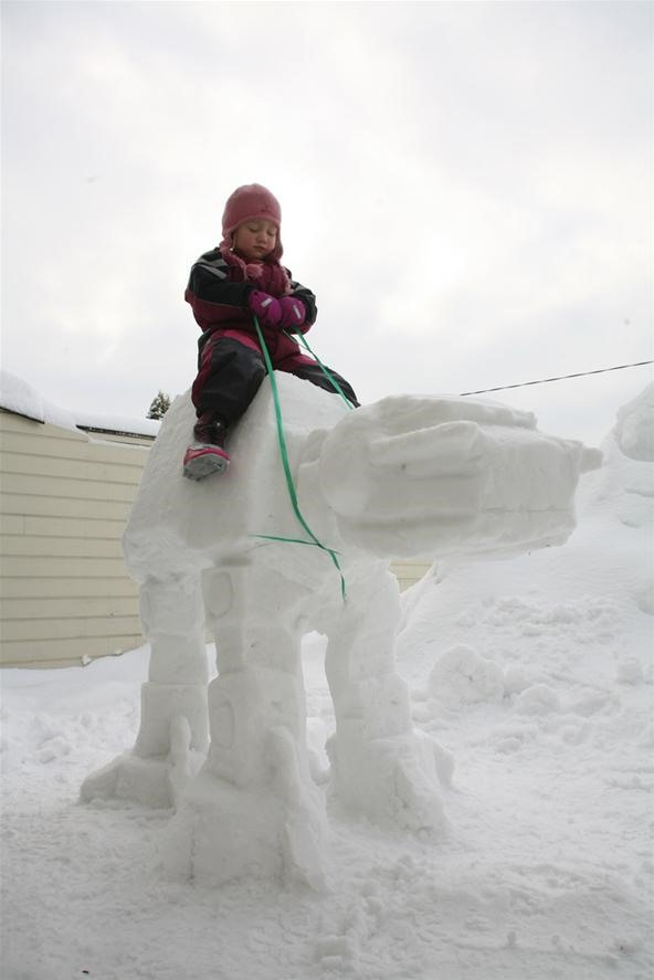 Build Your Own AT-AT Imperial Walker Snow Sculpture