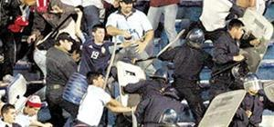 10 Argentine hooligans are deported... is it just us?