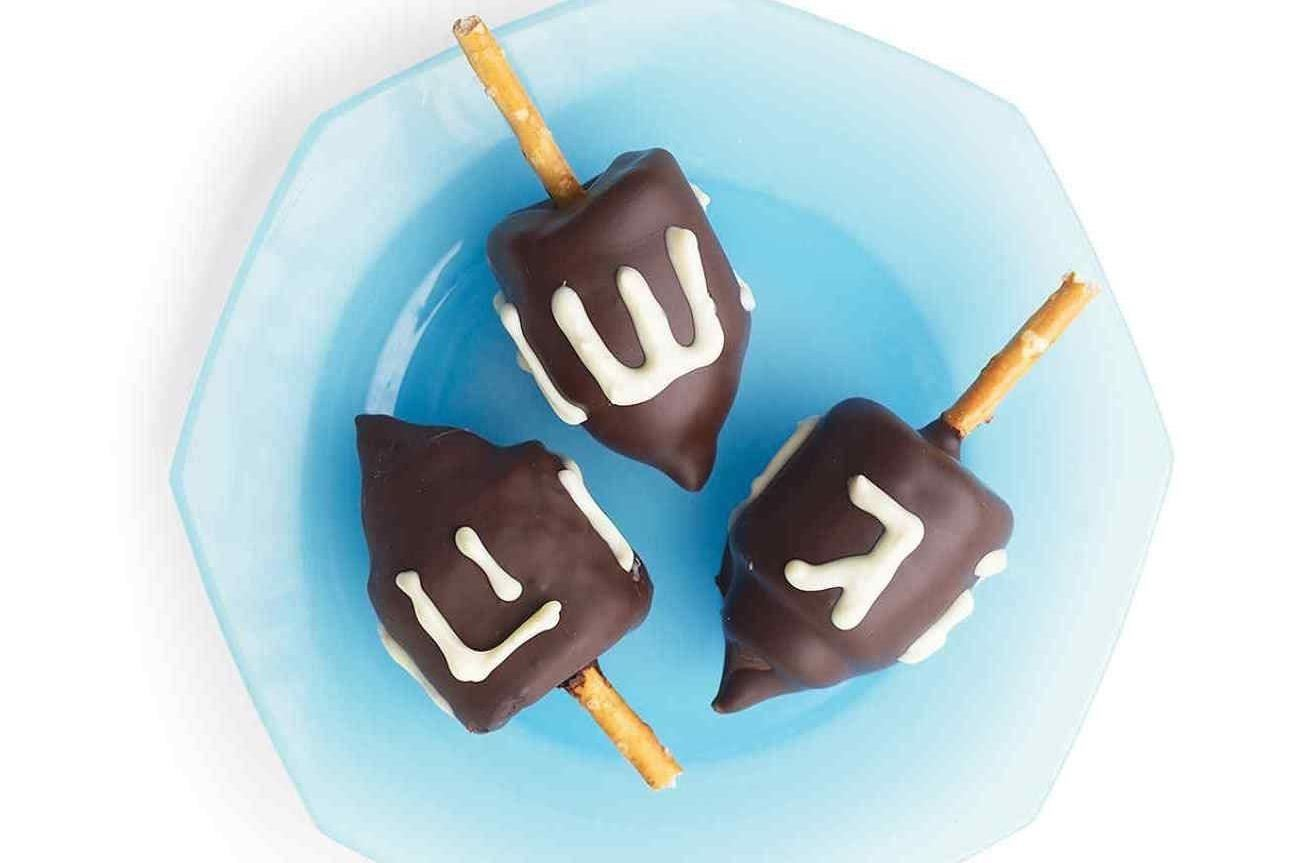 5 Delicious Hanukkah Crafts for the Whole Family
