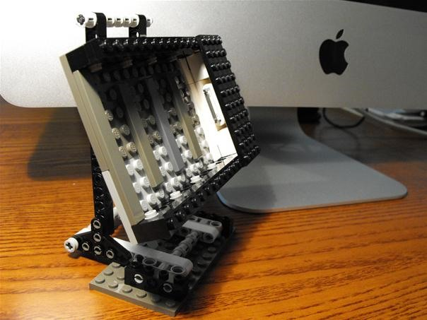 LEGO iPhone Dock