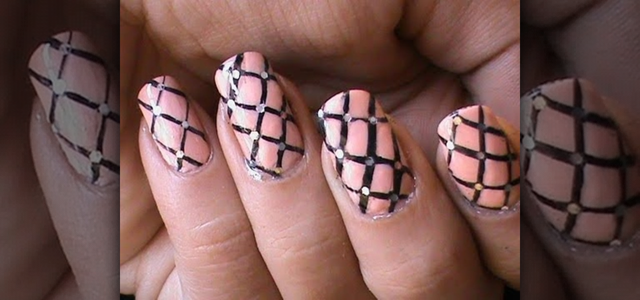Do Freehand Fishnet Nails