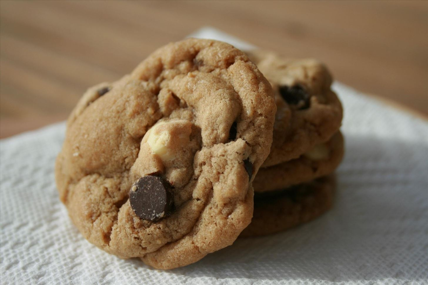 The Effortless Secret To Baking Perfect Crispy Edged Cookies With Via Image Staticflickrcom