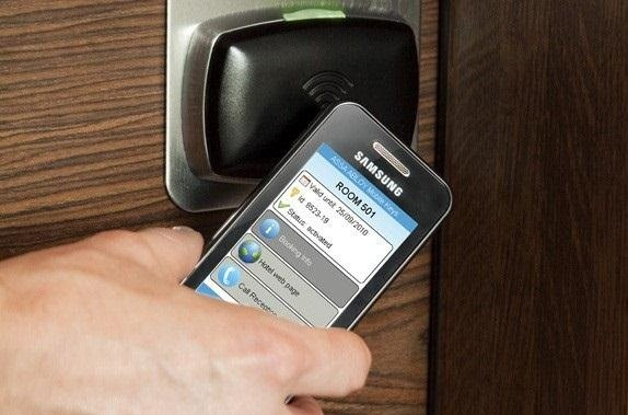 http://img.wonderhowto.com/img/98/25/63478911316828/0/have-nfc-enable-phone-hack-could-hijack.w654.jpg