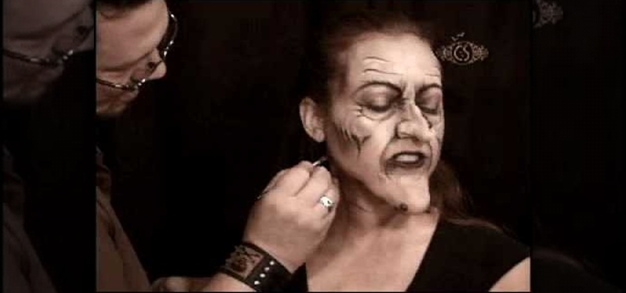 How to make yourself up to look like a scary witch makeup how to make yourself up to look like a scary witch makeup wonderhowto solutioingenieria Gallery