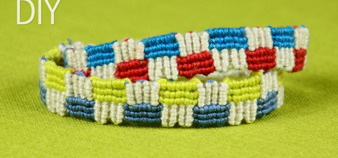 Make a Macrame Bracelet with Squares